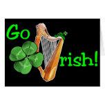 ¡El día de St Patrick - van los irlandeses! Felicitacion