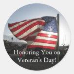 ¡El día de veterano feliz! Pegatina Redonda