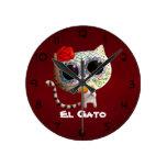 El día del gato lindo muerto reloj redondo mediano