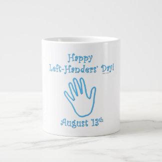 El día del zurdo taza grande