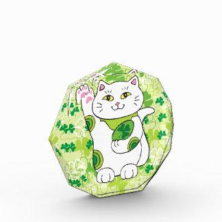 El día Maneki Neko (gato afortunado) de St Patrick