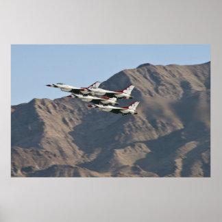 El diamante del U.S.A.F. Thunderbird saca 2010 Póster
