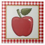 El dibujo animado Apple da fruto cocina o teja del