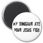 El dinosaurio come los pescados de Jesús Imanes Para Frigoríficos