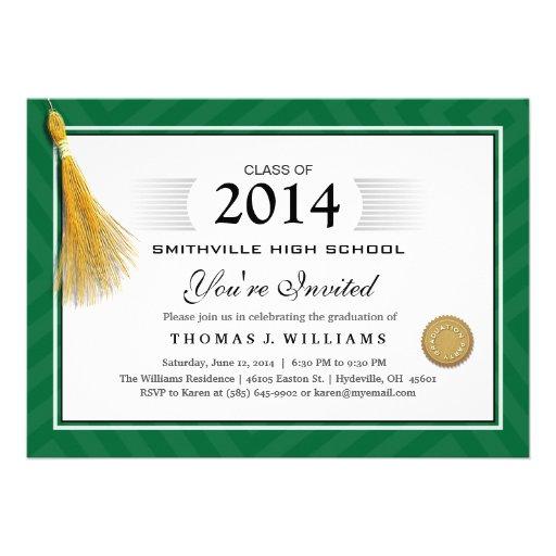 El diploma verde de la frontera con la graduación  comunicado