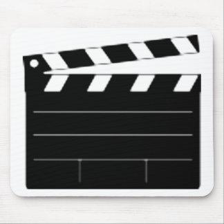 El director de película, cineasta, toma 1 tapete de ratones