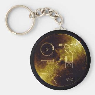El disco de oro del viajero llavero redondo tipo pin