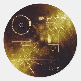 El disco de oro del viajero pegatina redonda