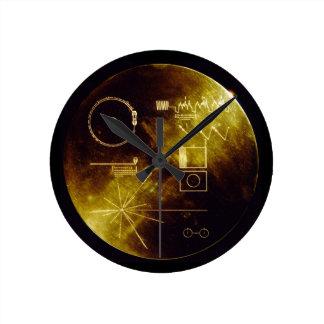 El disco de oro del viajero reloj