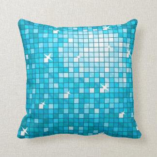 El disco teja el cuadrado azul de la almohada de t