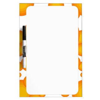 El diseñar anaranjado del año de los años 70 tablero blanco