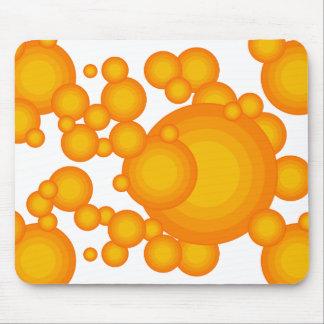 El diseñar anaranjado del año de los años 70 tapete de ratón