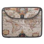 El diseño antiguo del mapa de Viejo Mundo del vint Funda Para Macbook Pro