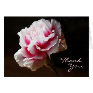 El diseño floral del clavel rosado le agradece tarjetón