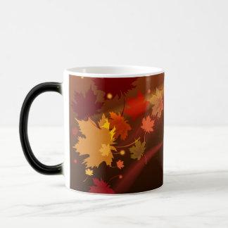 El diseño natural decorativo de la taza del otoño