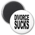 El divorcio chupa imanes de nevera
