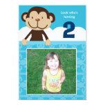 El doble de la invitación del cumpleaños del mono