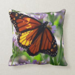 El doble echó a un lado almohada de la mariposa