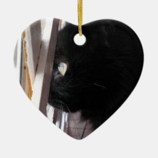 El doble echó a un lado atracción del ornamento adorno de cerámica en forma de corazón