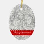 El doble echó a un lado ornamento oval de la foto adorno navideño ovalado de cerámica