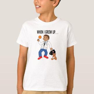 El doctor Boy del dibujo animado con la camiseta