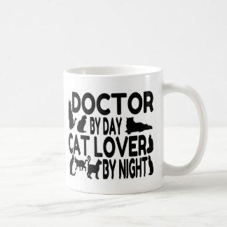 El doctor Cat Lover Taza