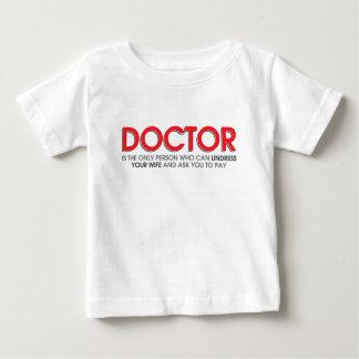 El doctor divertido y del humor Jokes Tshirts