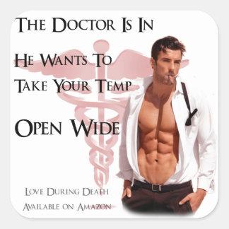 El doctor está en… el pegatina - LDD