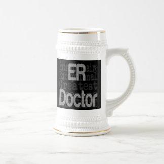 El doctor Extraordinaire del ER Jarra De Cerveza