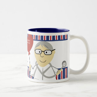 El doctor M D DOS-TONO MUG del corazón del CARDIÓ Taza De Café