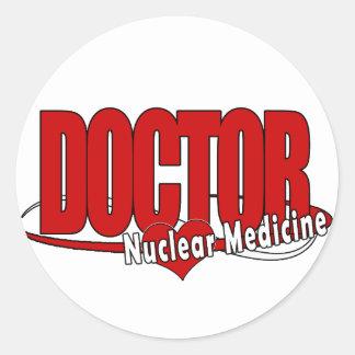 EL DOCTOR NUCLEAR MEDICINE DEL LOGOTIPO PEGATINAS REDONDAS