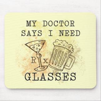 EL DOCTOR SAYS I NEED GLASSES ALFOMBRILLA DE RATÓN