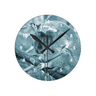 el dormir c azul de la cabeza de la koala abajo reloj redondo mediano
