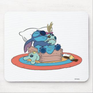 El dormir lindo de la puntada de Lilo y de la punt Mouse Pads
