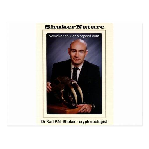 El Dr. Karl Shuker y cráneo de Smilodon - Tarjeta Postal