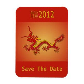 El dragón chino del rojo y del oro ahorra el imán