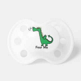 El dragón del dibujo animado me teme chupetes para bebés