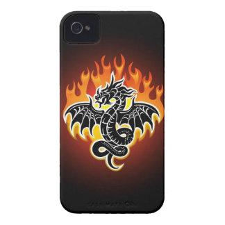 El dragón flamea el caso del iPhone 4 iPhone 4 Case-Mate Carcasa