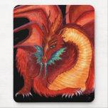 El dragón rojo alfombrillas de ratón