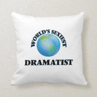 El dramaturgo más atractivo del mundo almohada