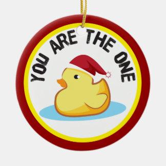 El duckie de goma usted es el un ornamento del adorno redondo de cerámica