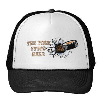 El duende malicioso para aquí el gorra del hockey