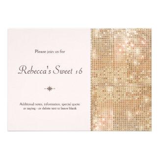 El dulce 16 de las lentejuelas del oro se ruboriza invitacion personalizada