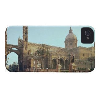 El Duomo, founded by Walter, Archbishop of Palermo iPhone 4 Cover