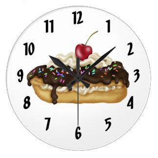 El Eclair de chocolate con asperja Reloj Redondo Grande