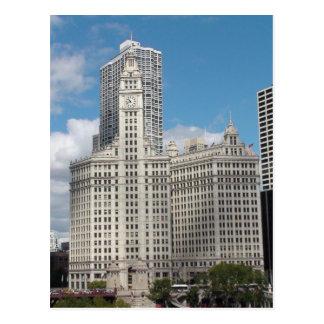 El edificio de Wrigley, Chicago, en un día hermoso Postales