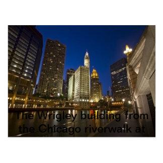 El edificio de Wrigley del riverwalk de Chicago Tarjetas Postales