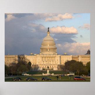 El edificio del capitolio de Estados Unidos adentr Poster