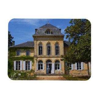 El edificio principal del castillo francés, renova imanes