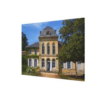 El edificio principal del castillo francés, renova impresiones de lienzo